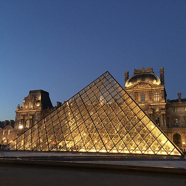 visites guidées de quartiers et monuments parisiens 1